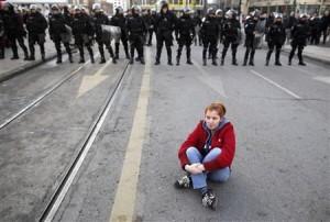 2014-02-06T183600Z_1_CBREA151FO900_RTROPTP_2_BOSNIA-PROTESTS. Dado Ruvic.Reuters