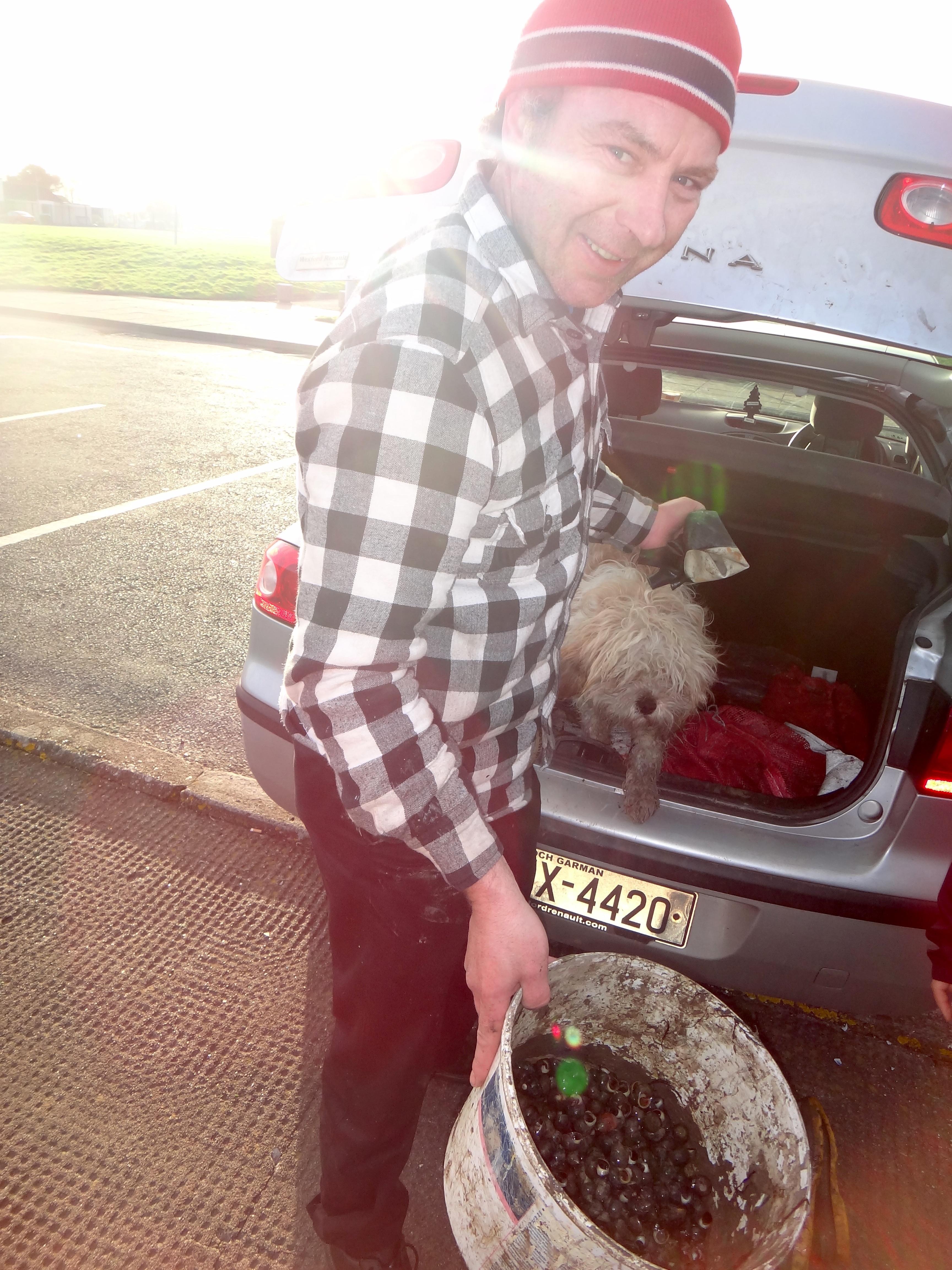 An Irish man telling us about escargot catching in Dungarvan. (Photo credit: Olivia McCash)